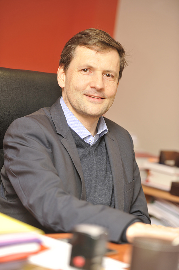 Maitre Luc Perrouin, avocat associé.